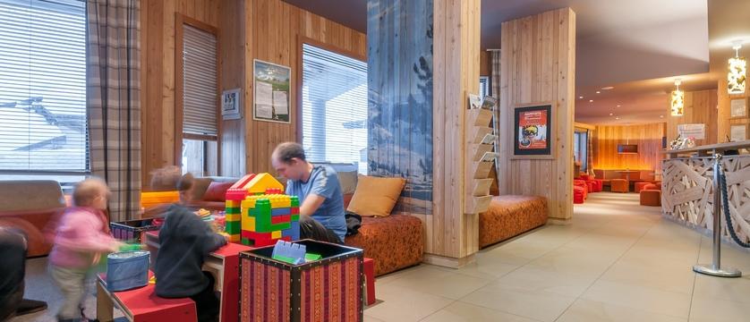 france_avoriaz_les-crozats-apartments_lobby-play-area.jpg